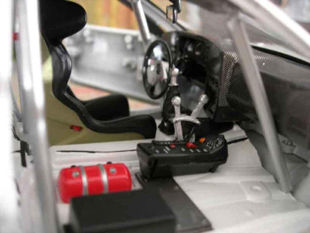 Volkswagen Corrado VR6 1/18 Revell street racer