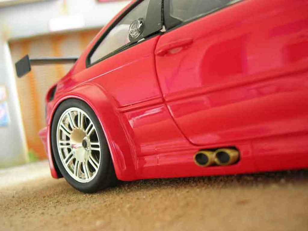 Bmw M3 E46 1/18 Minichamps GTR rouge