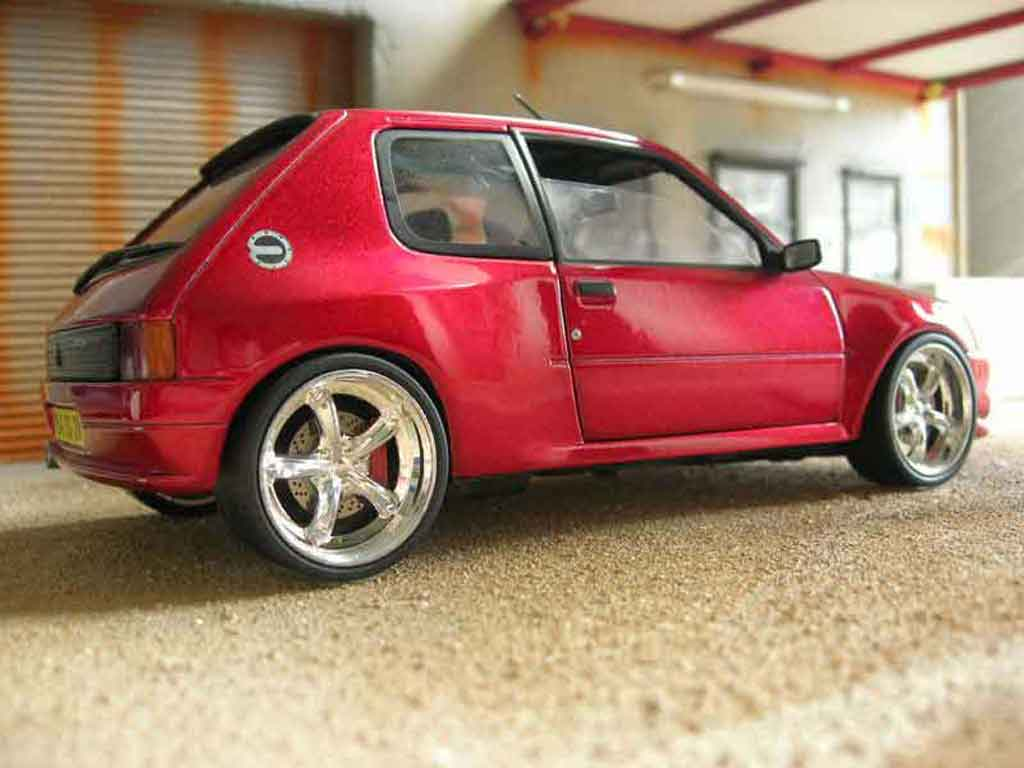 peugeot 205 gti dimma miniature rouge solido 1 18 voiture. Black Bedroom Furniture Sets. Home Design Ideas