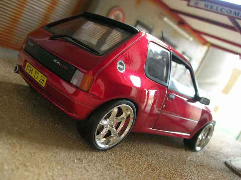 Peugeot 205 GTI 1/18 Solido Dimma rouge