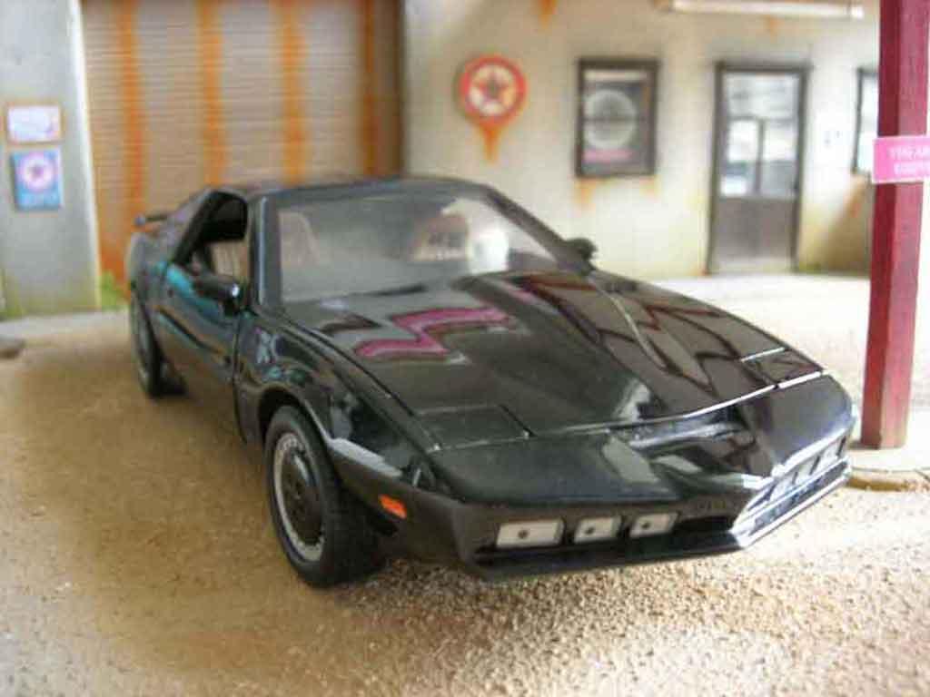 pontiac knight rider k2000 miniature ertl 1 18 voiture. Black Bedroom Furniture Sets. Home Design Ideas