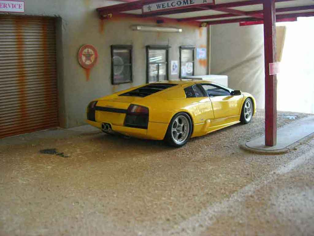 lamborghini murcielago gelb autoart modellauto 1 18 kaufen verkauf modellauto online. Black Bedroom Furniture Sets. Home Design Ideas