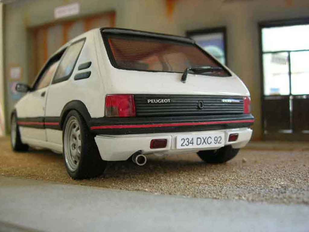 Peugeot 205 GTI 1/18 Solido 1.9 Blanc Meije ligne groupe n tuning diecast model cars