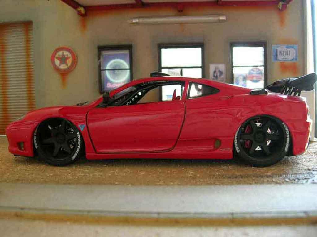 Ferrari 360 Modena 1/18 Burago coupe red