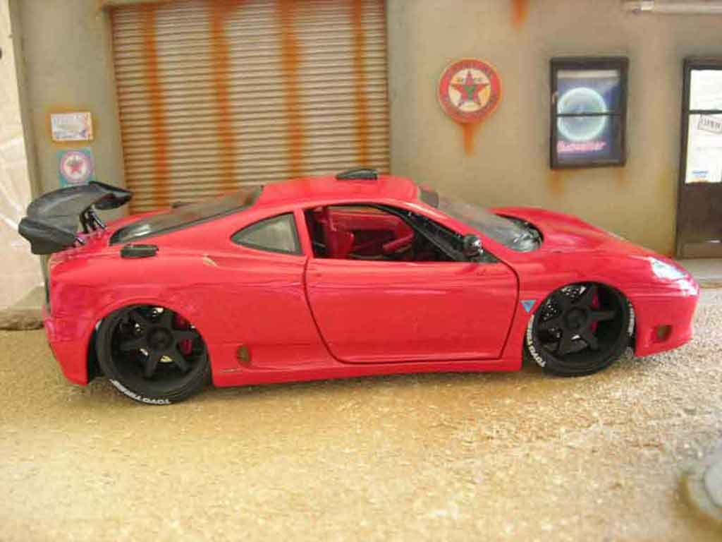 ferrari 360 modena coupe rot burago modellauto 1 18 kaufen verkauf modellauto online. Black Bedroom Furniture Sets. Home Design Ideas