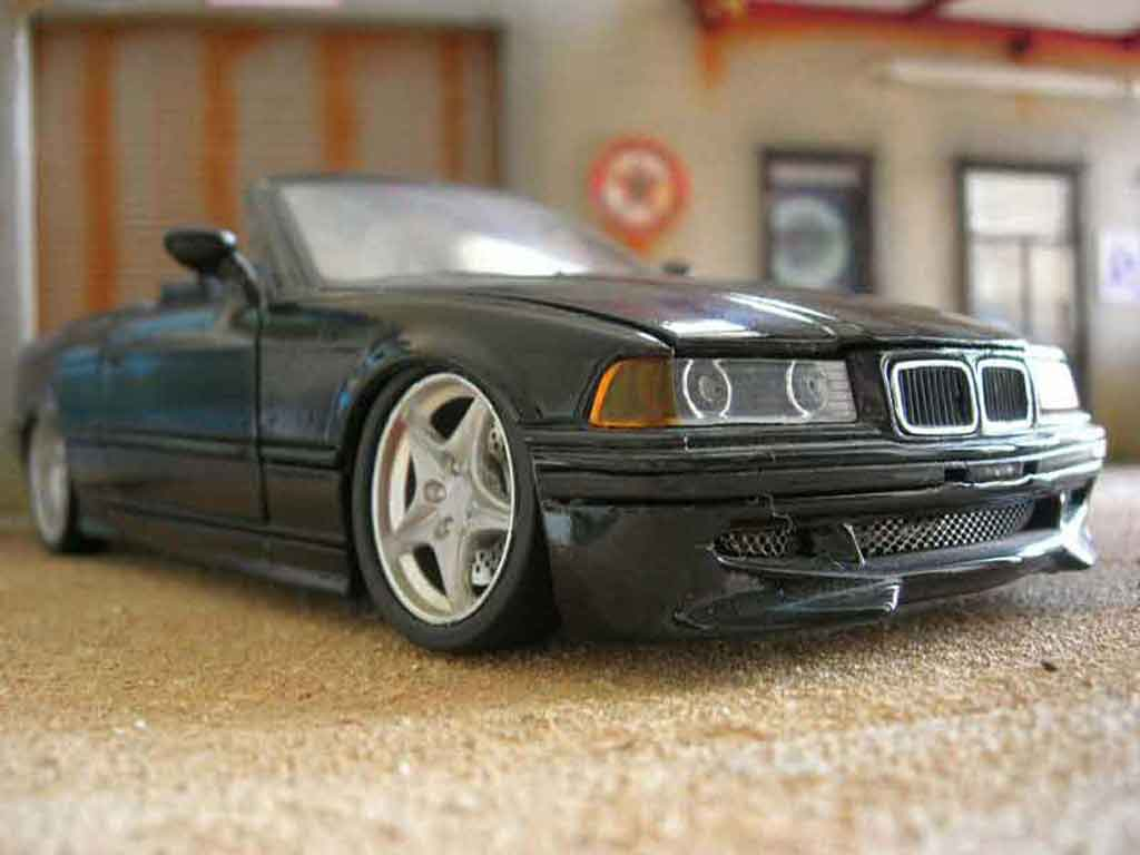 bmw 325 e36 e36 schwarz motortausch z3m felgen z3m spoiler z3m maisto modellauto 1 18 kaufen. Black Bedroom Furniture Sets. Home Design Ideas