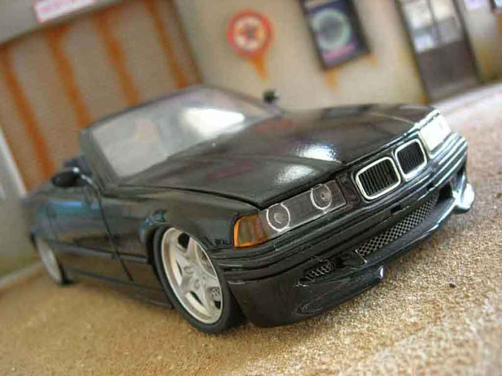 Bmw 325 E36 1/18 Maisto cabriolet noire swap z3m jantes z3m spoiler z3m