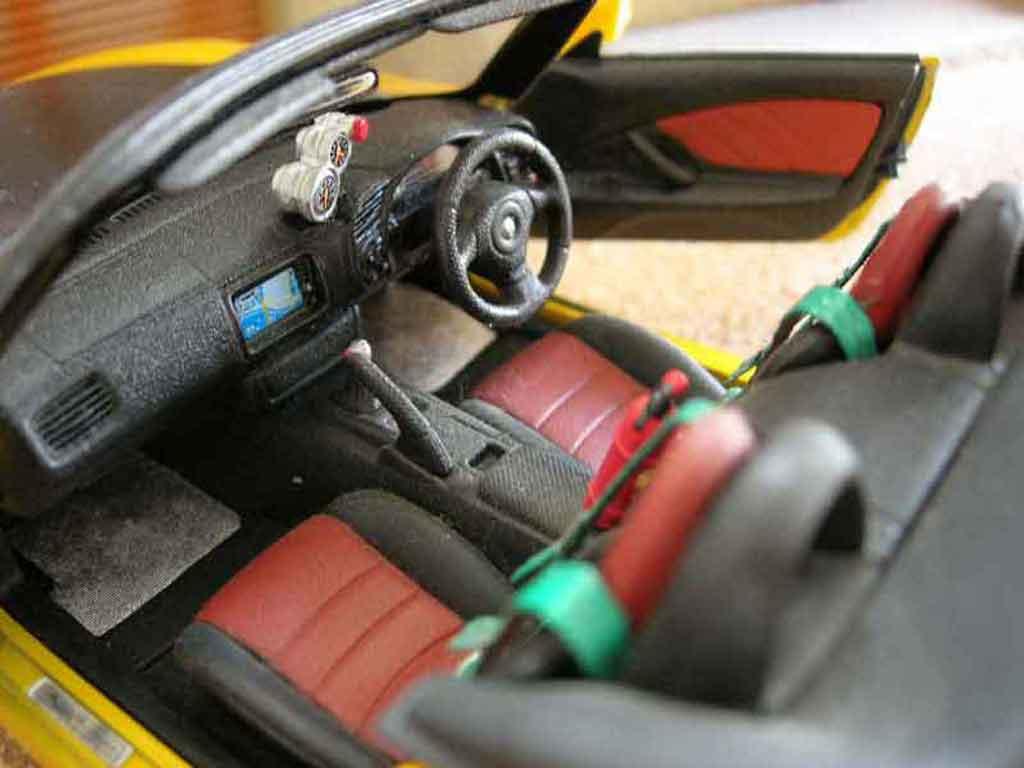 Honda S2000 1/18 Maisto mugen