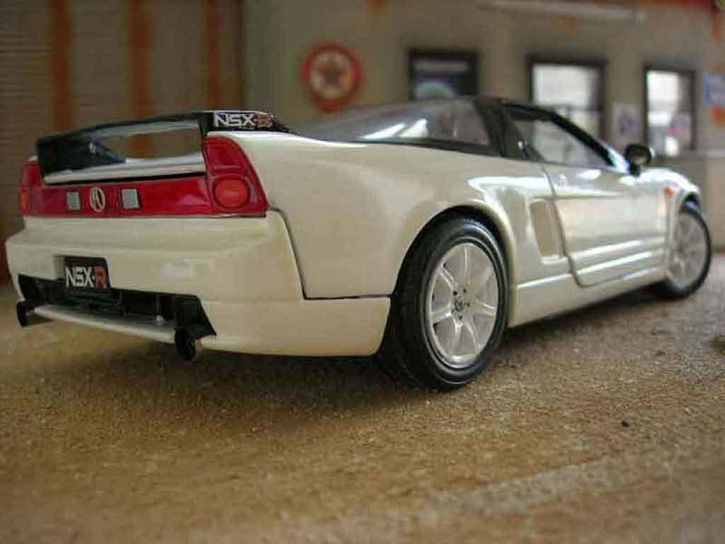 Honda NSX 1/18 Motormax type r