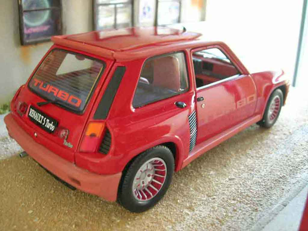 Renault 5 Turbo 1/18 Universal Hobbies 1 rojo