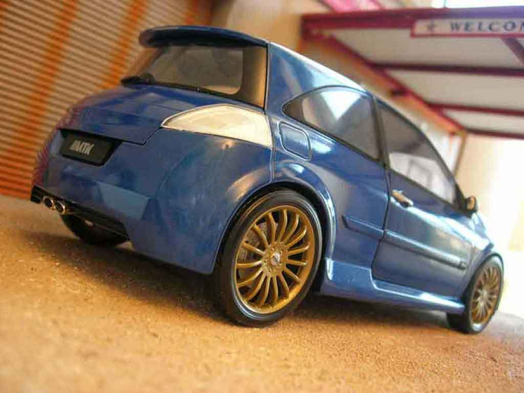 Renault Megane MTK 1/18 Norev vampire bleue