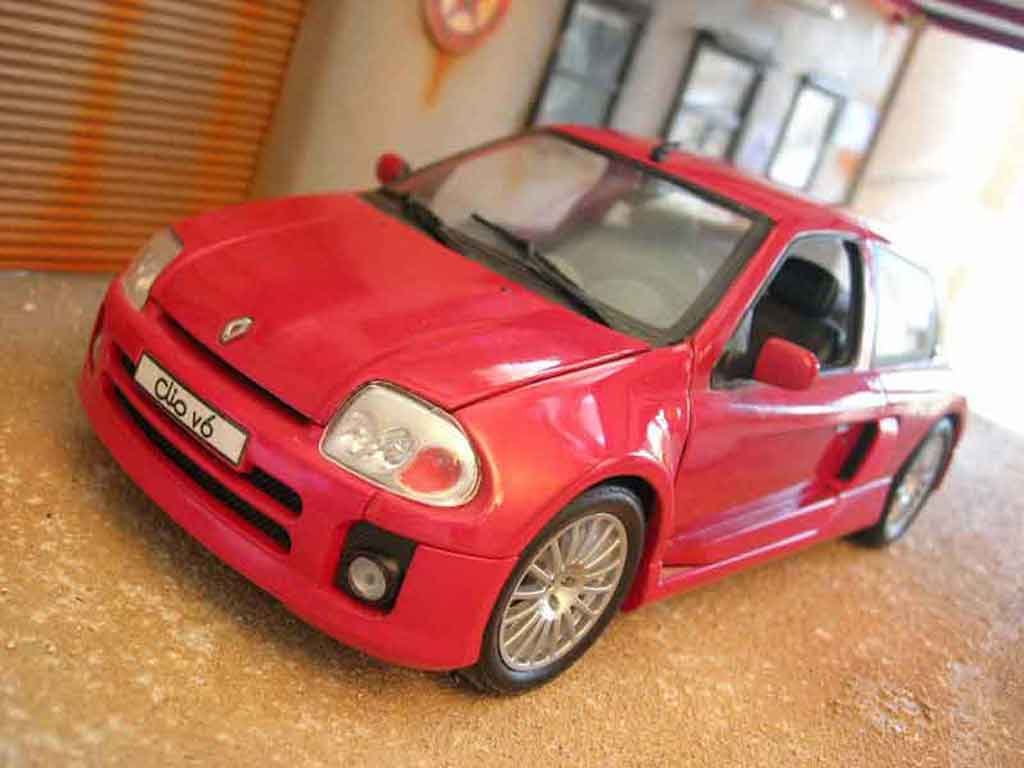 renault clio v6 miniature rouge origine universal hobbies 1 18 voiture. Black Bedroom Furniture Sets. Home Design Ideas