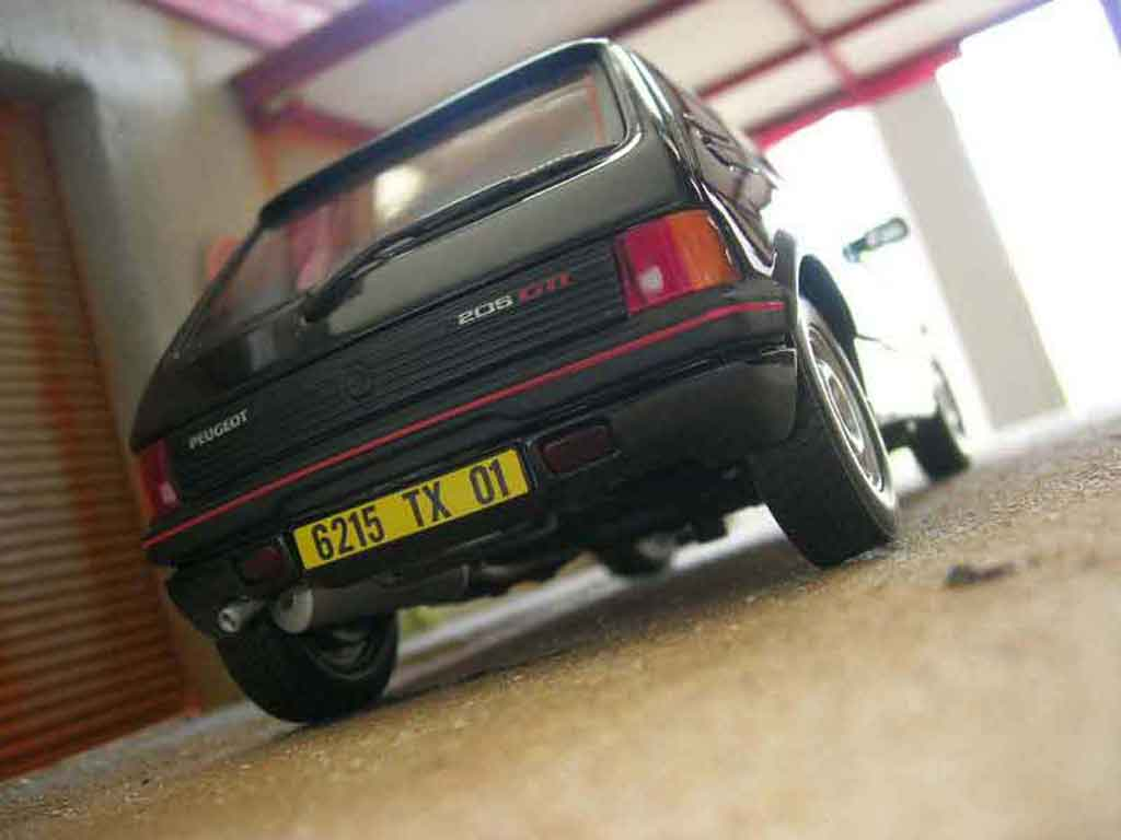Peugeot 205 GTI 1/18 Solido 1.9 black onyx diecast model cars