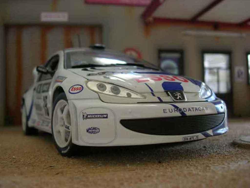 Peugeot 206 WRC Solido. Peugeot 206 WRC Rallye miniature modèle réduit 1/18