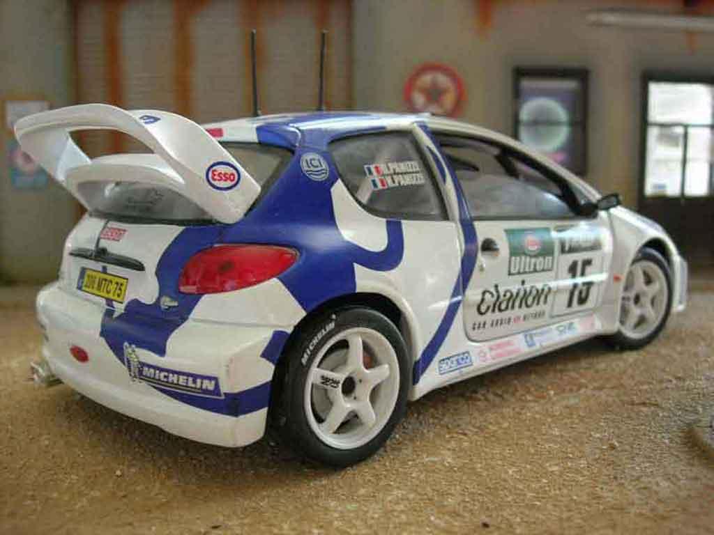 Peugeot 206 WRC Solido. Peugeot 206 WRC Rallye miniature auto miniature 1/18