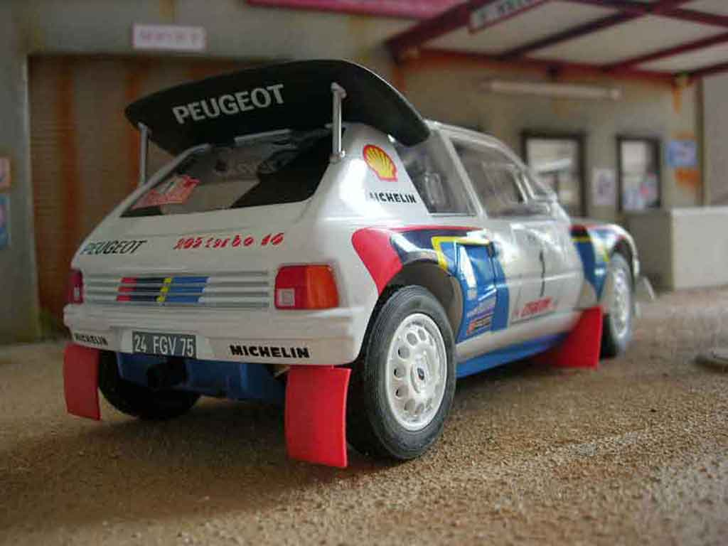 Peugeot 205 Turbo 16 1/18 Solido 1986 #1 weiss