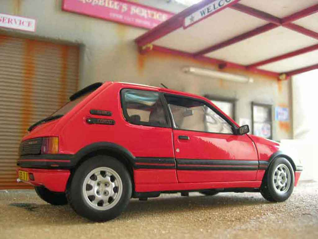 Peugeot 205 GTI 1/18 Solido 1.9 red vallelunga