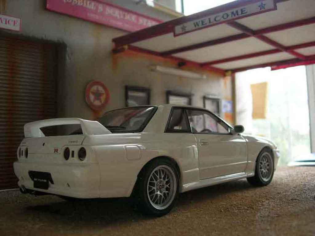 nissan skyline r32 gt r v spec ii autoart modellauto 1 18 kaufen verkauf modellauto online. Black Bedroom Furniture Sets. Home Design Ideas