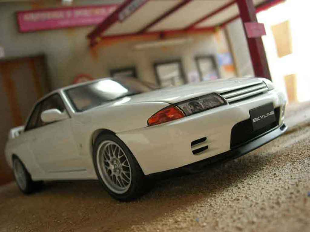 nissan skyline r32 gt r v spec ii autoart modellauto 1 18 kaufen verkauf modellauto online. Black Bedroom Furniture Sets. Home Design Ideas