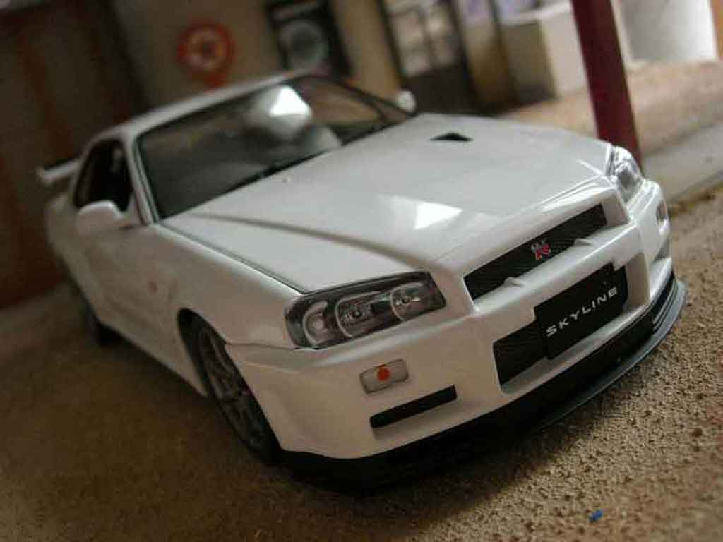nissan skyline r34 blanche miniature gtr v spec ii autoart 1 18 voiture. Black Bedroom Furniture Sets. Home Design Ideas