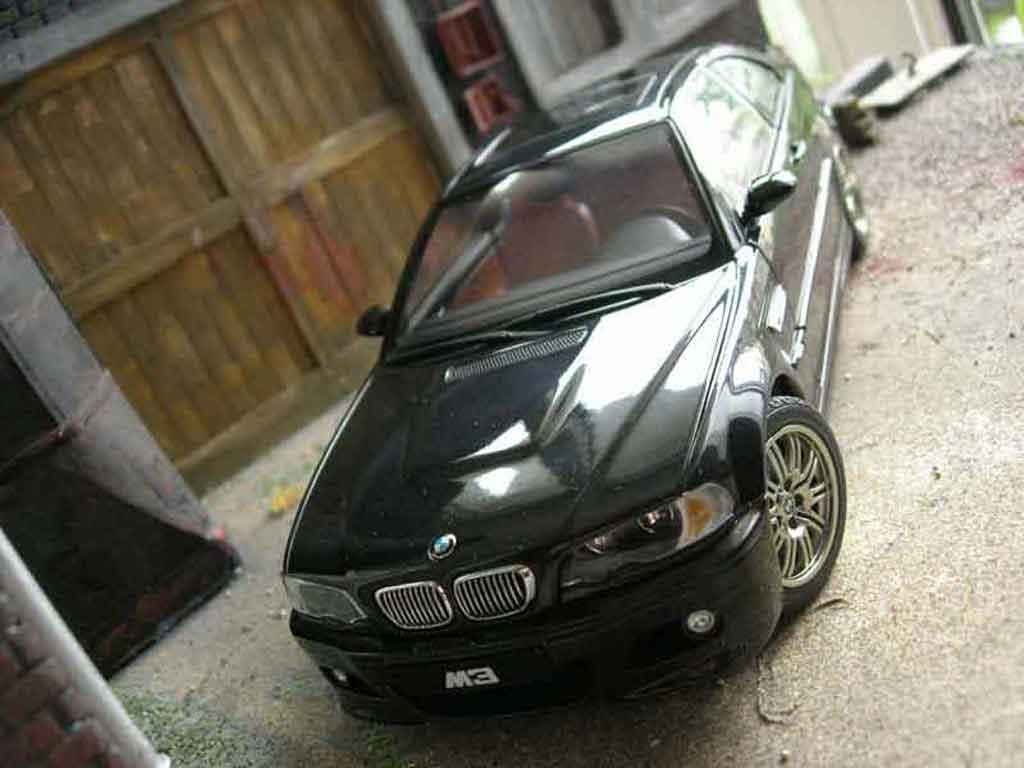 Auto miniature Bmw M3 E46 noire Autoart. Bmw M3 E46 noire miniature 1/18