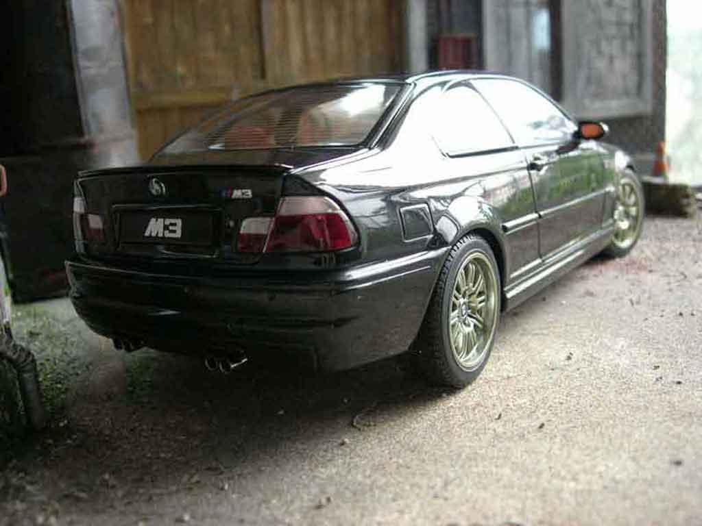 Bmw M3 E46 noire Autoart. Bmw M3 E46 noire miniature modèle réduit 1/18