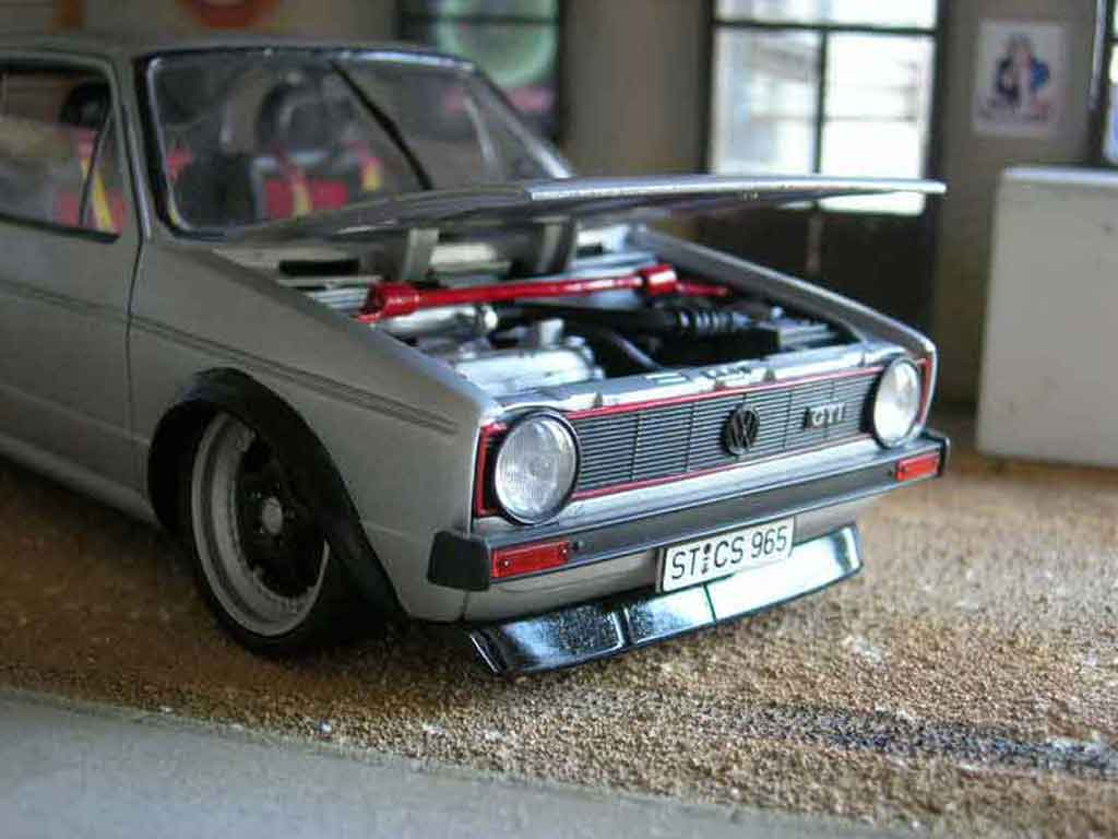 Auto miniature Volkswagen Golf 1 GTI jantes Porsche rs tuning Solido. Volkswagen Golf 1 GTI jantes Porsche rs German Look miniature 1/18