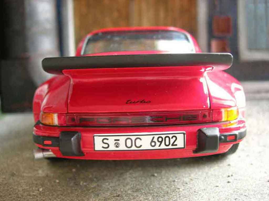 Porsche 911 Turbo 1/18 Norev 3.0 rouge