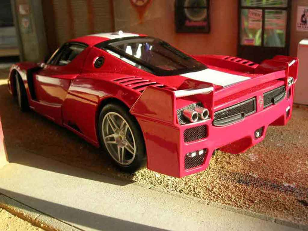 Ferrari Enzo FXX red Hot Wheels Elite 1/18