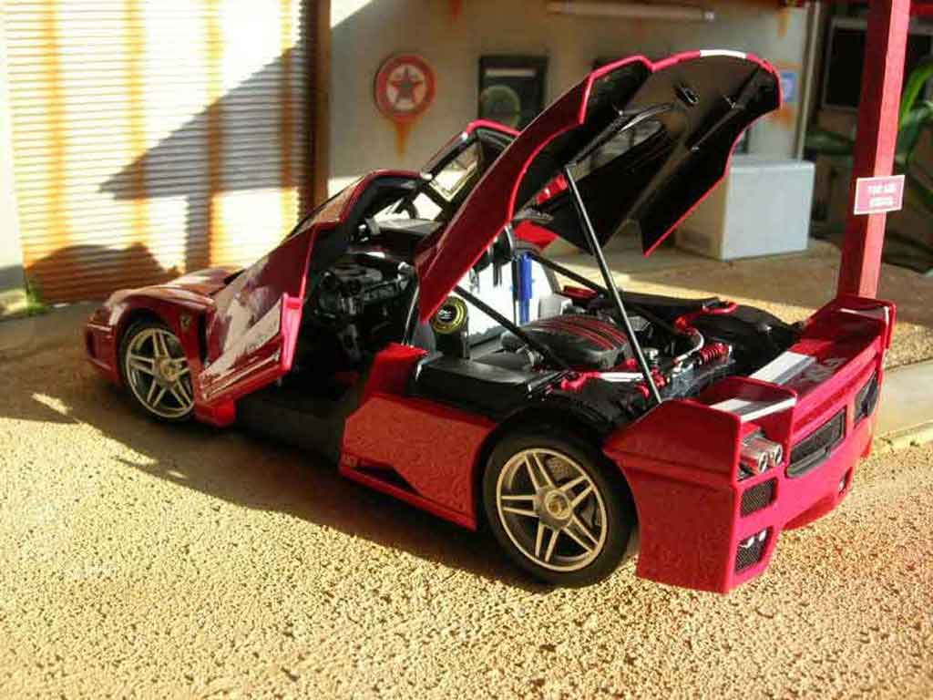 ferrari enzo fxx miniature rouge hot wheels elite 1 18 voiture. Black Bedroom Furniture Sets. Home Design Ideas