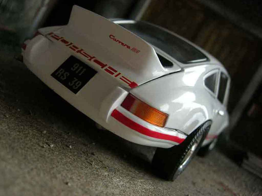 Porsche 911 RS 1/18 Universal Hobbies 2.7 blanche