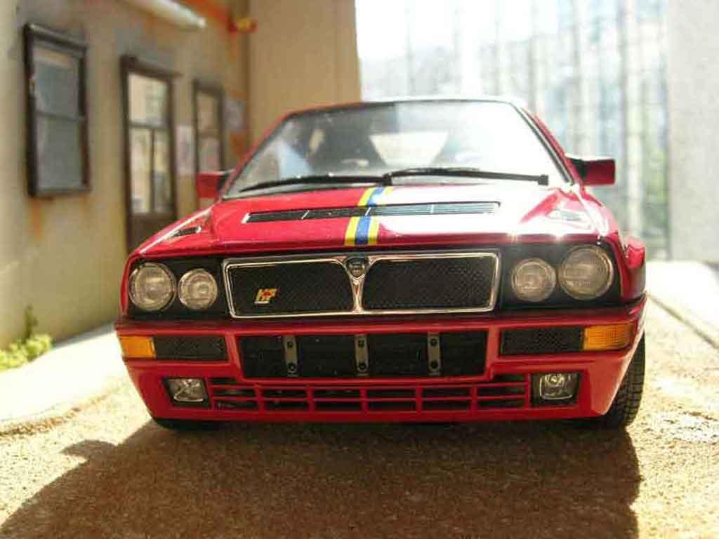Lancia Delta HF Integrale 1/18 Kyosho evolution 2 collezione miniatura