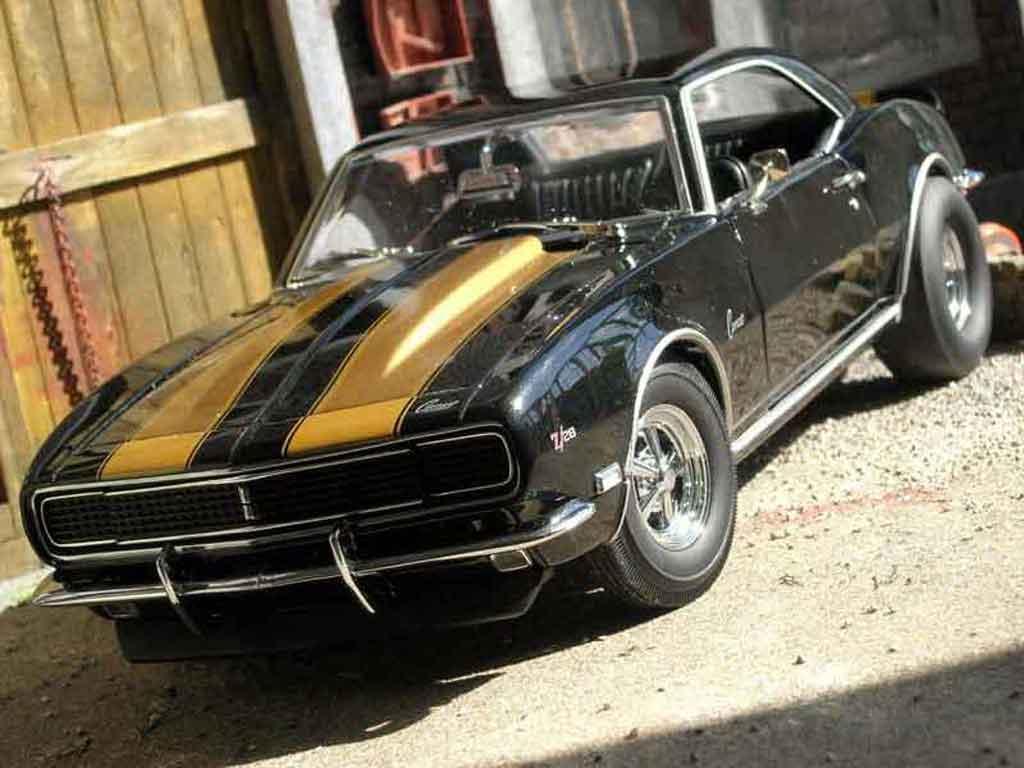 Chevrolet Camaro Z28 1/18 Exact Detail Replicas street stalkerz gray black bandes dorees 1968 diecast