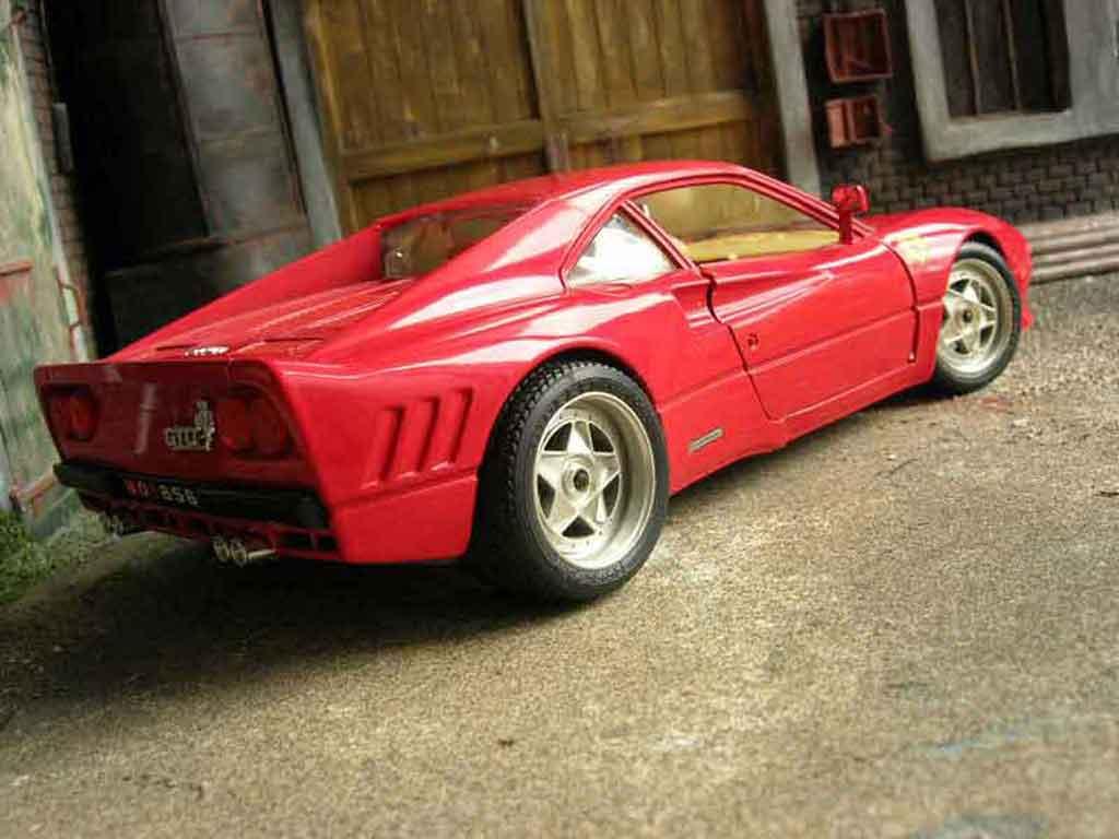 Ferrari 288 GTO 1/18 Burago rouge jantes f40 miniature