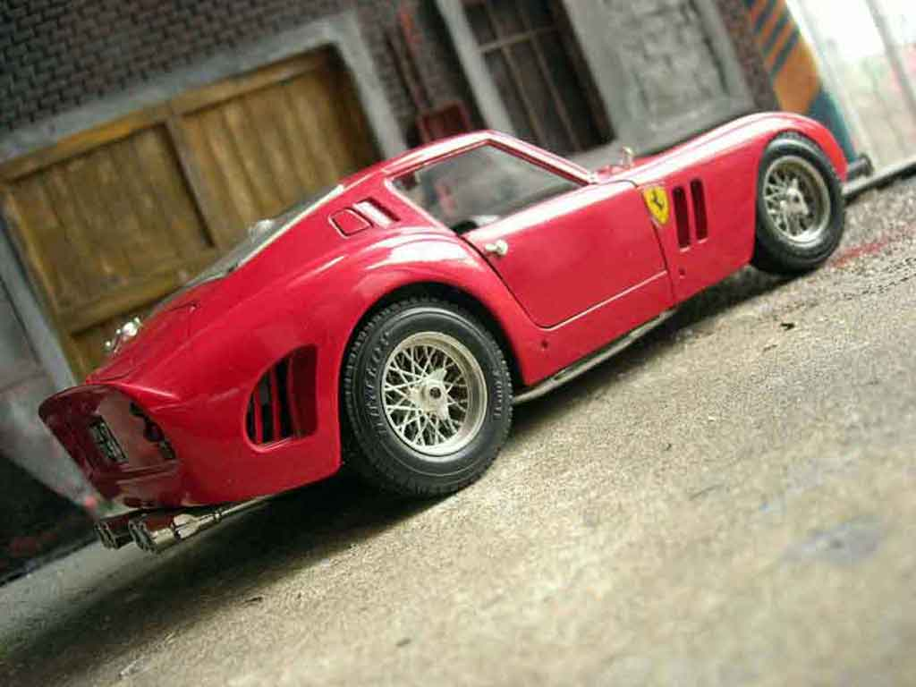 ferrari 250 gto 1962 miniature rouge burago 1 18 voiture. Black Bedroom Furniture Sets. Home Design Ideas