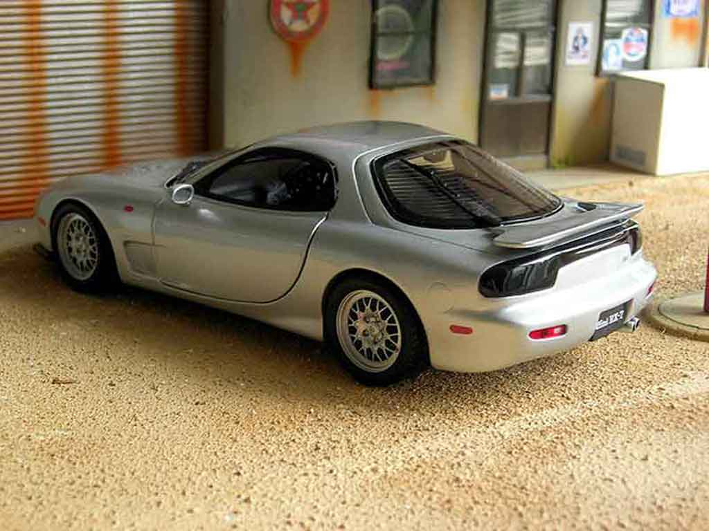 mazda rx7 fd3s kyosho modellauto 1 18 kaufen verkauf. Black Bedroom Furniture Sets. Home Design Ideas