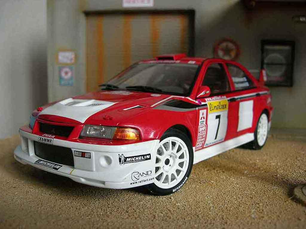 Mitsubishi Lancer Evolution VI 1/18 Autoart WRC 2001 Makinen Monte Carlo rouge miniature
