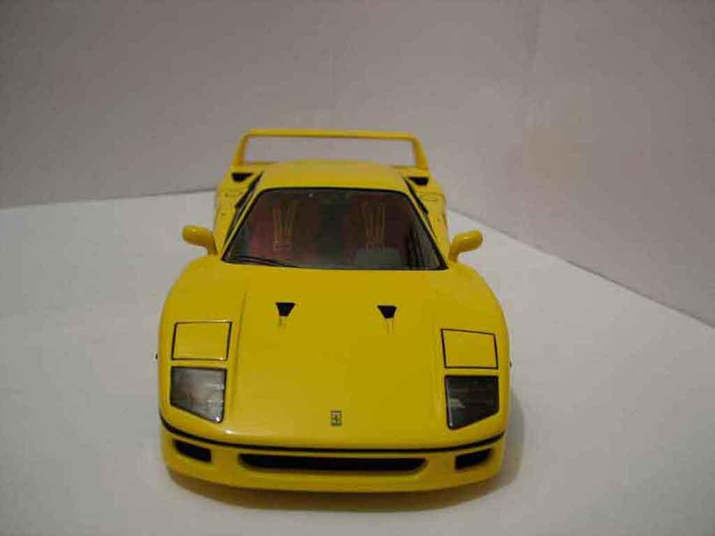 Ferrari F40 1/18 Hot Wheels Elite yellow