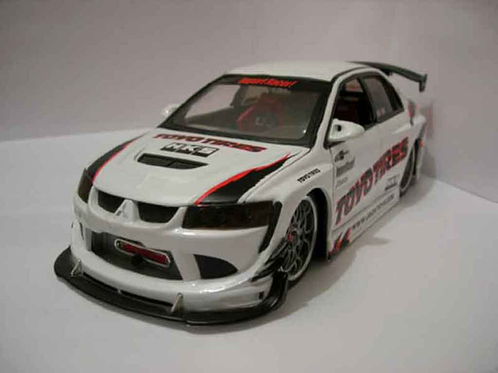 mitsubishi lancer evolution viii jada toys modellauto 1 18 kaufen verkauf modellauto online. Black Bedroom Furniture Sets. Home Design Ideas