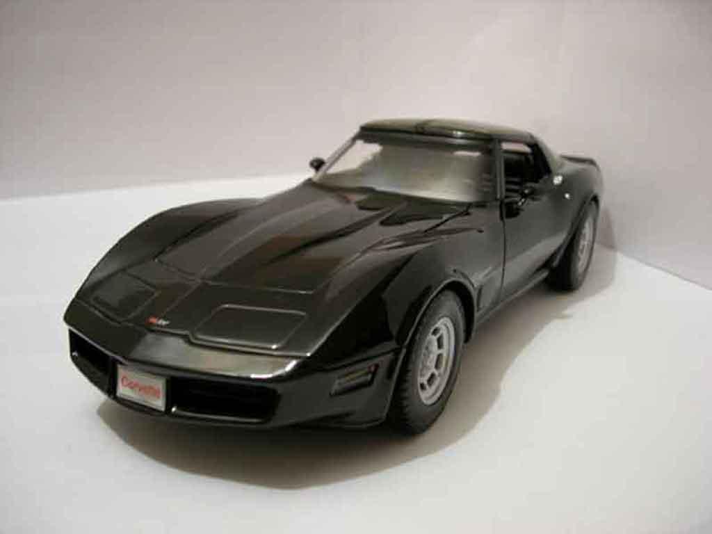 Chevrolet Corvette C3 1/18 Welly black 1982 diecast model cars