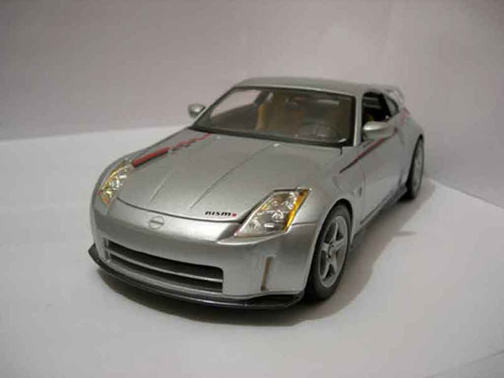 nissan 350z nismo miniature maisto 1 18 voiture. Black Bedroom Furniture Sets. Home Design Ideas