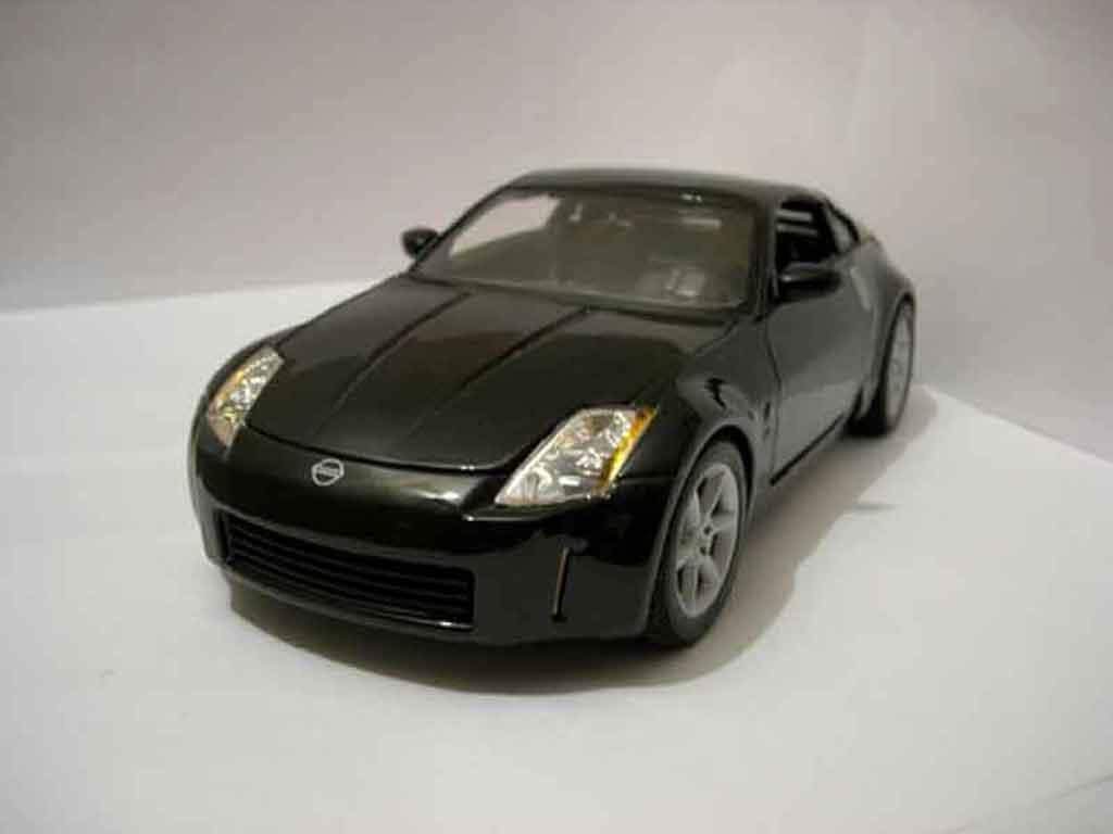 nissan 350z coupe black maisto diecast model car 1 18. Black Bedroom Furniture Sets. Home Design Ideas