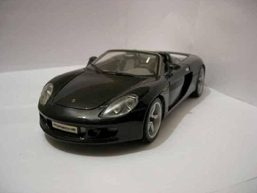Porsche Carrera GT 1/18 Maisto noire miniature