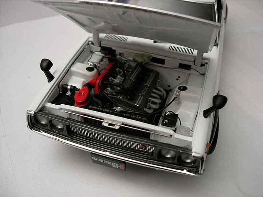 Nissan Skyline 2000 1/18 Kyosho gt-r street white kpgc 110