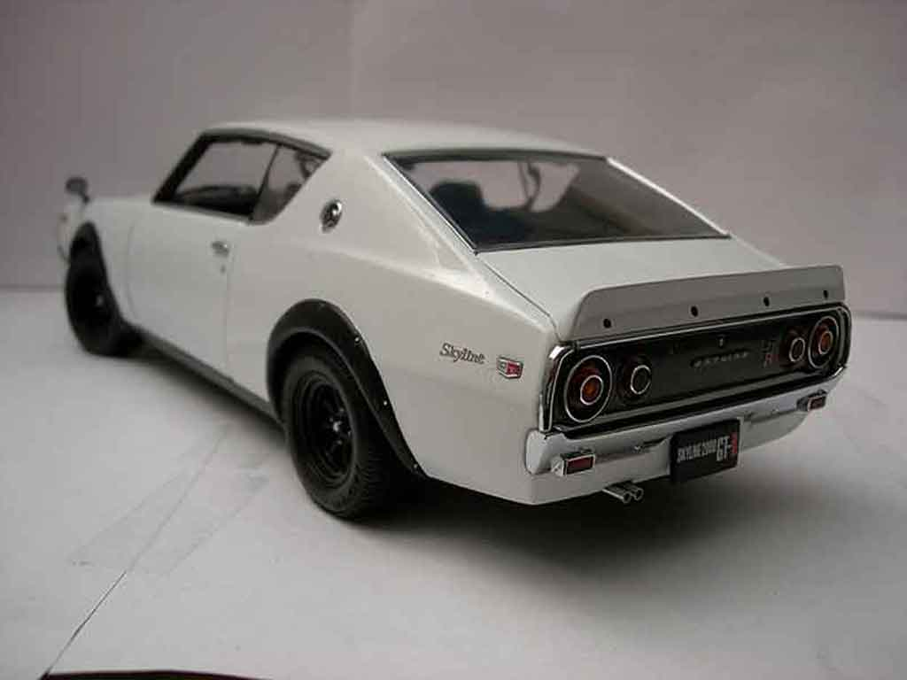 nissan skyline 2000 gt r street white kpgc 110 kyosho modellauto 1 18 kaufen verkauf. Black Bedroom Furniture Sets. Home Design Ideas