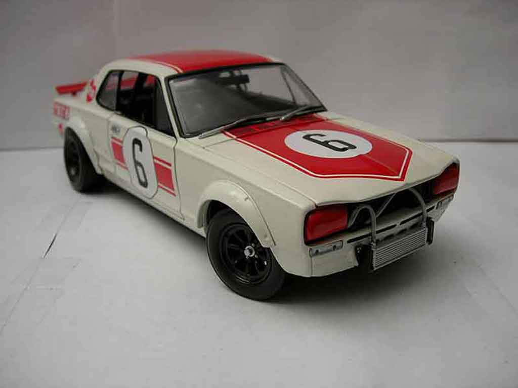 nissan skyline 2000 gt r kpgc10 6 kyosho modellauto 1 18 kaufen verkauf modellauto online. Black Bedroom Furniture Sets. Home Design Ideas