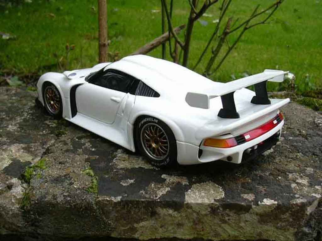 porsche 993 gt1 weiss ut models modellauto 1 18 kaufen. Black Bedroom Furniture Sets. Home Design Ideas