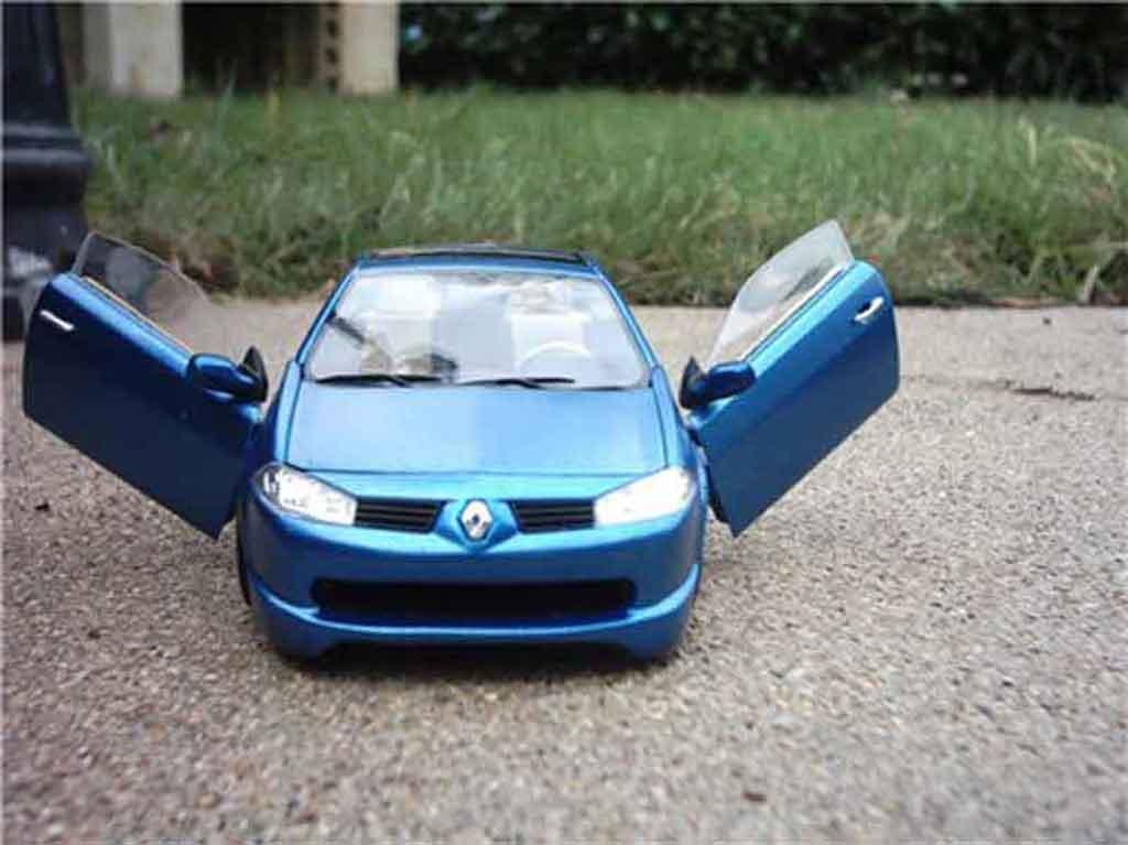 Renault Megane CC 1/18 Solido ocean