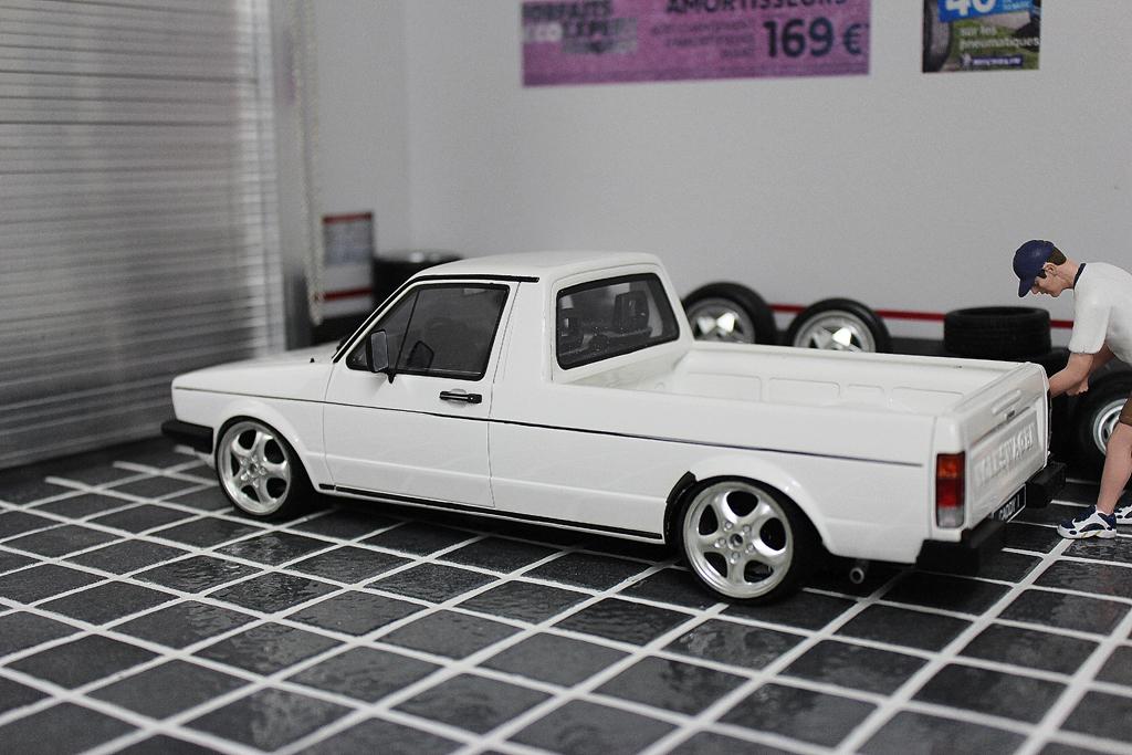 Volkswagen Caddy 1/18 Ottomobile bianca jantes porsche 17 pouces