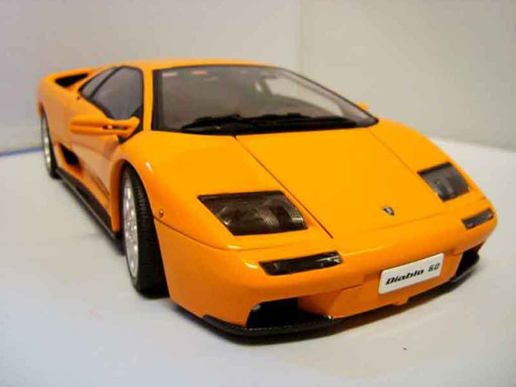 Lamborghini Diablo 6.0 orange Autoart. Lamborghini Diablo 6.0 orange miniature 1/18